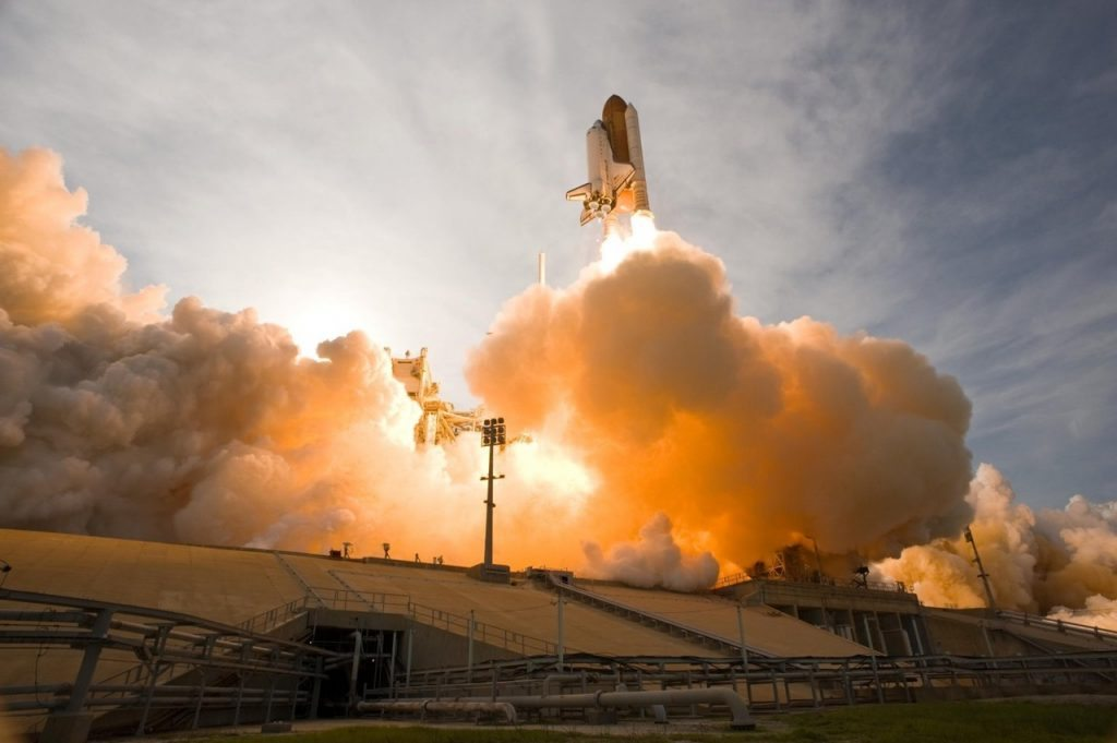 space-shuttle-lift-off-liftoff-nasa